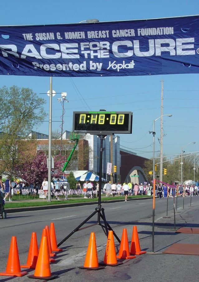 finish-line-1532435-639x902