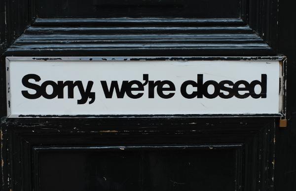 closedsign600