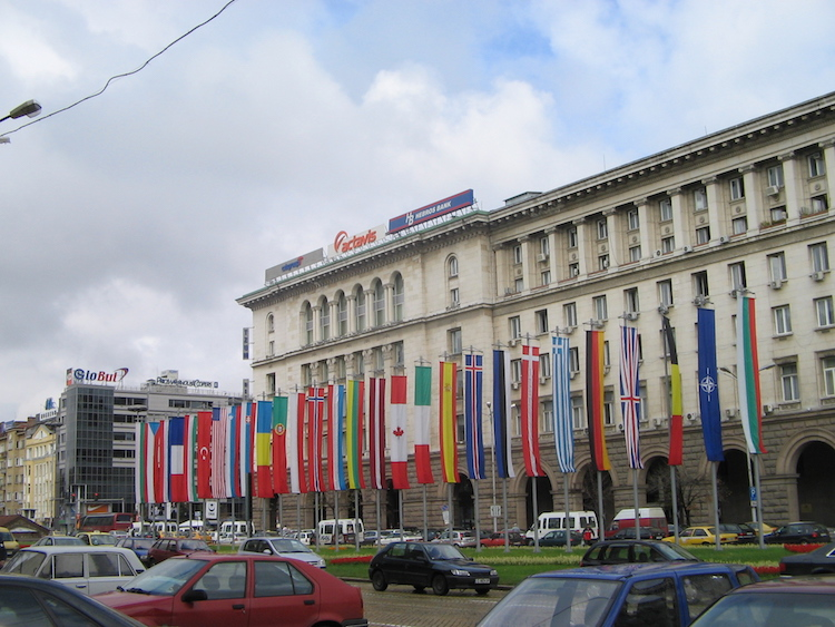 1Flags_of_all_Nato_member_states_near_Bulgarian_parliament_in_Sofia,_Bulgaria_September_2005