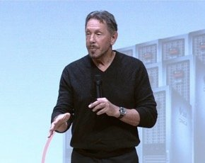 Larry Ellison lors de l'annonce de l'appliance Oracle VCA