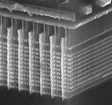 Vue en coupe d'un module de Flash 3D V-NAND de Samsung