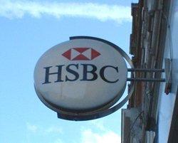 HSBC joins mobile banking revolution