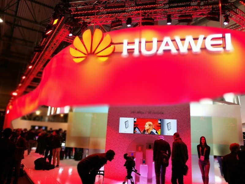 MWC 2017: Huawei takes on Samsung