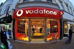 VodafoneGeoffMooreRex.jpg