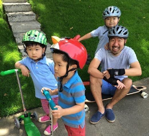Gene Kim skateboards with his family