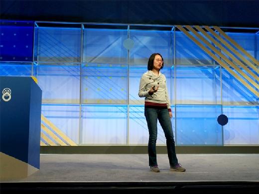 Xiaowen Xin speaks at Google I/O 2018.