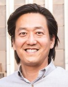 Headshot of Ahana CEO and co-founder Steven Mih