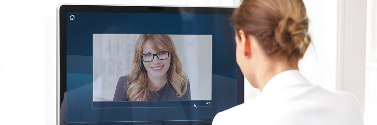 Zoom accelerates away as office workers make video calls