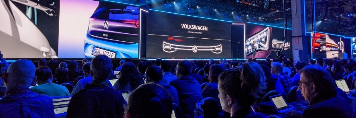 Lors d'AWS re:Invent 2019, Volkswagen a partagé de plus amples détails concernant le contrat qui le lie à AWS. Le groupe automobile veut connecter ses 122 usines et accéder aux données depuis une seule architecture distribuée.