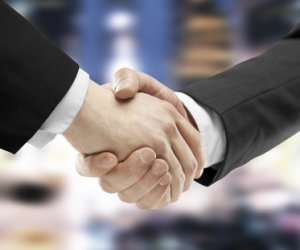 sales engagement handshake